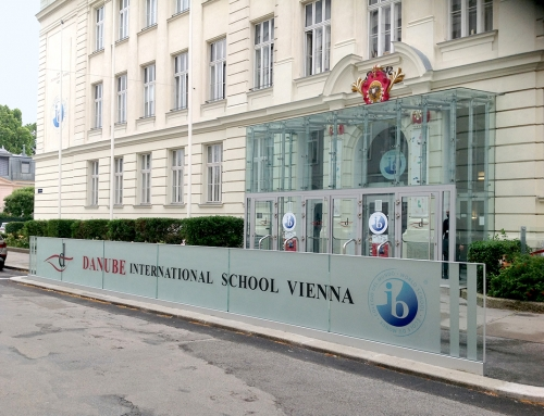 Danube International School Vienna Paneelbranding